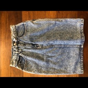 Acid wash Jordache skirt